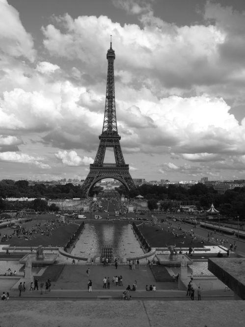 Eiffel Tower B:W